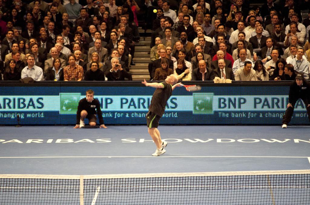 Реклама на теннисном корте