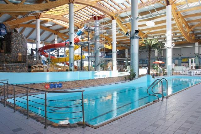 Семейная реклама в аквапарке
